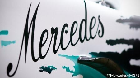 メルセデスがホワイト基調の特別カラーを採用@F1ドイツGP