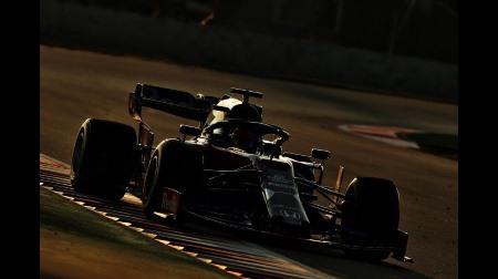 テスト削減の方針に反対するF1ドライバー達