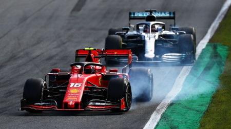 F1が黒白旗を復活させたことにビルヌーブらが批判