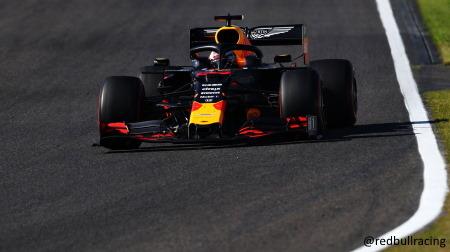 レッドブル・ホンダ、完全にメルセデスとフェラーリに置いていかれる
