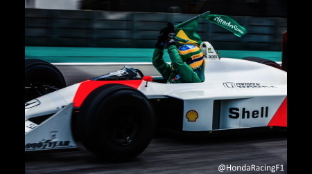 ホンダ、レース前とレース後にセナのお墓へ@F1ブラジルGP