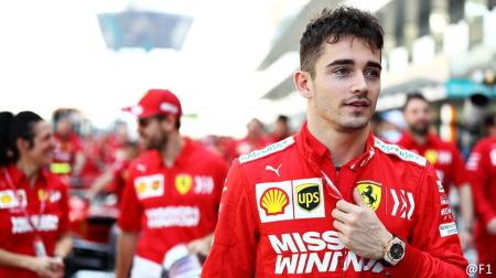 ルクレール、2024年までフェラーリ残留決定