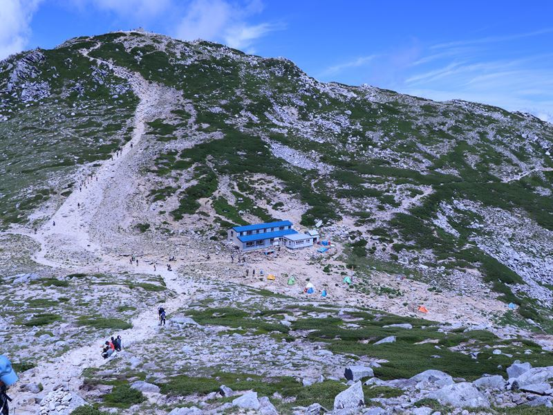 中岳頂上山荘