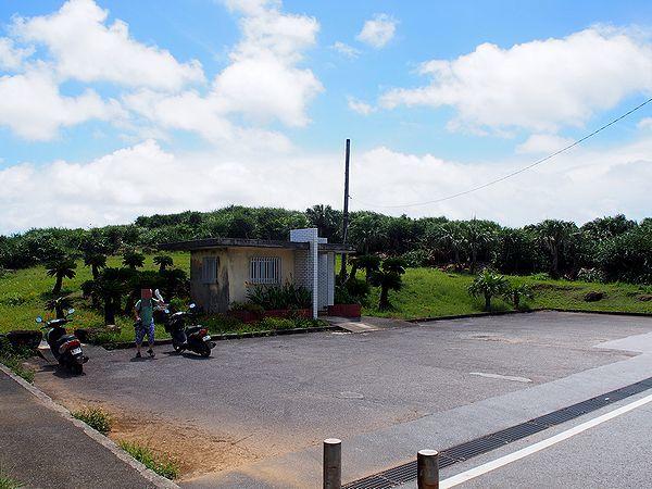 西崎の駐車場