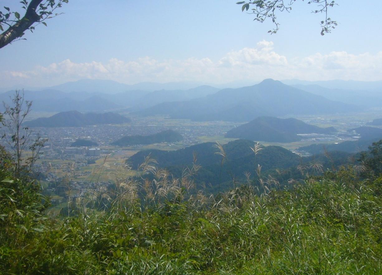 鬼が岳頂上から越前市内、日野山、部子山 R1.9.26