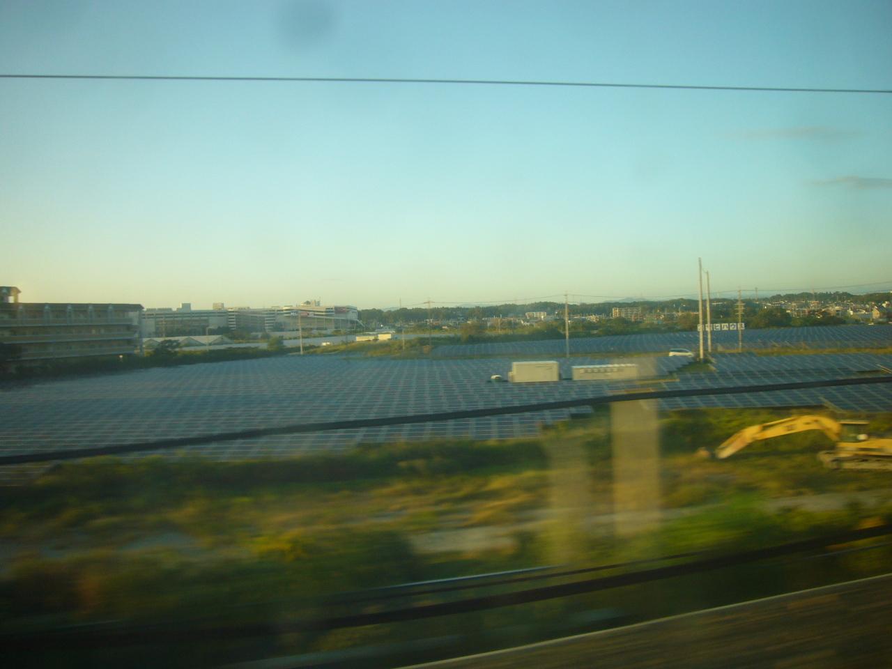 ソーラーパネルの大草原 R1.10.10