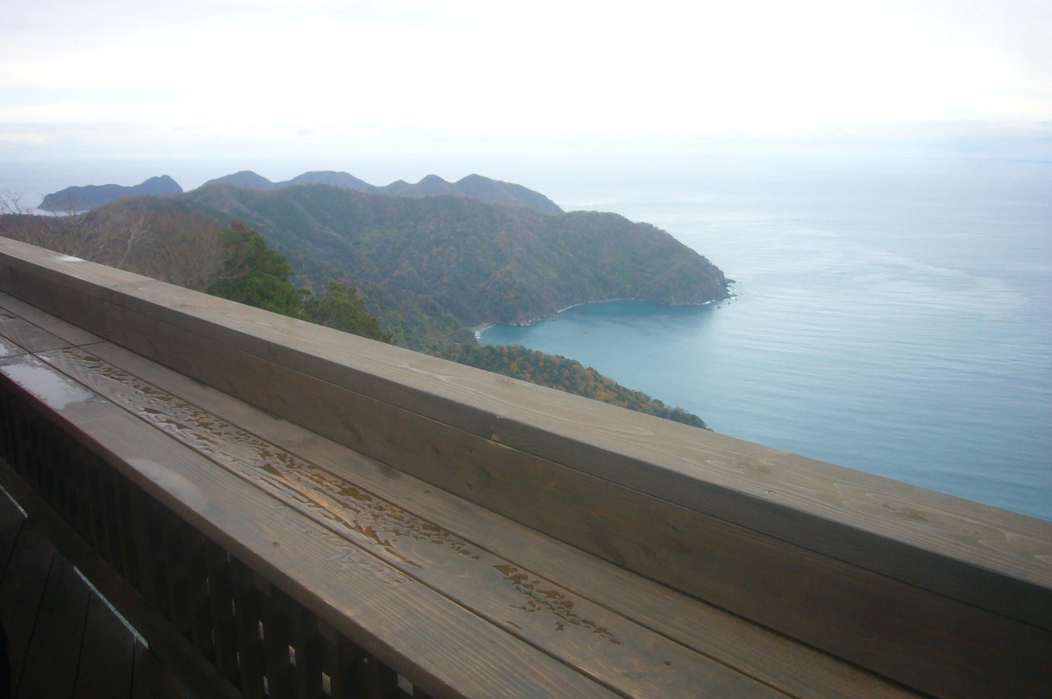 山頂テラスから若狭湾 R1.12.07