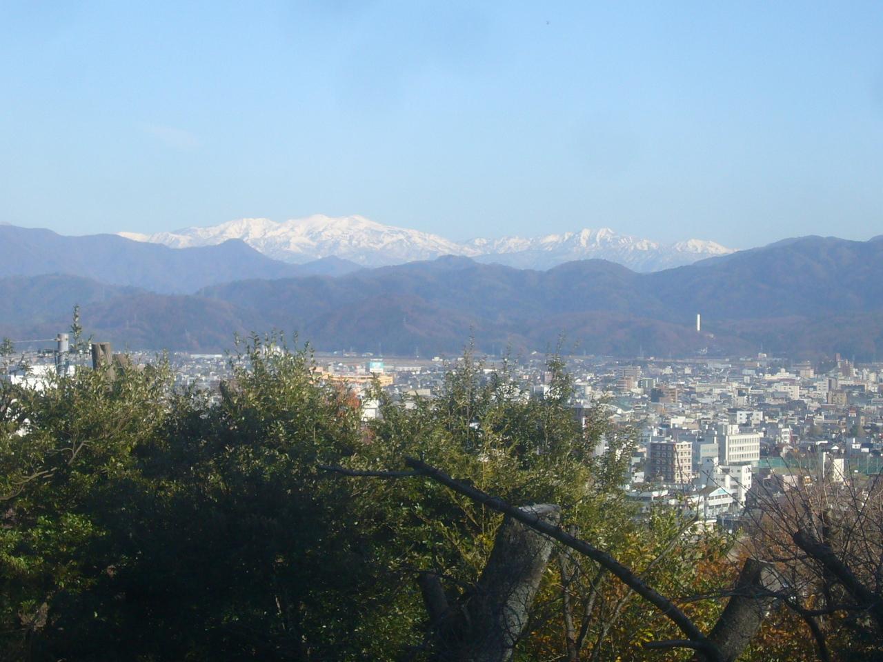 足羽山博物館横から白山 R1.12.16