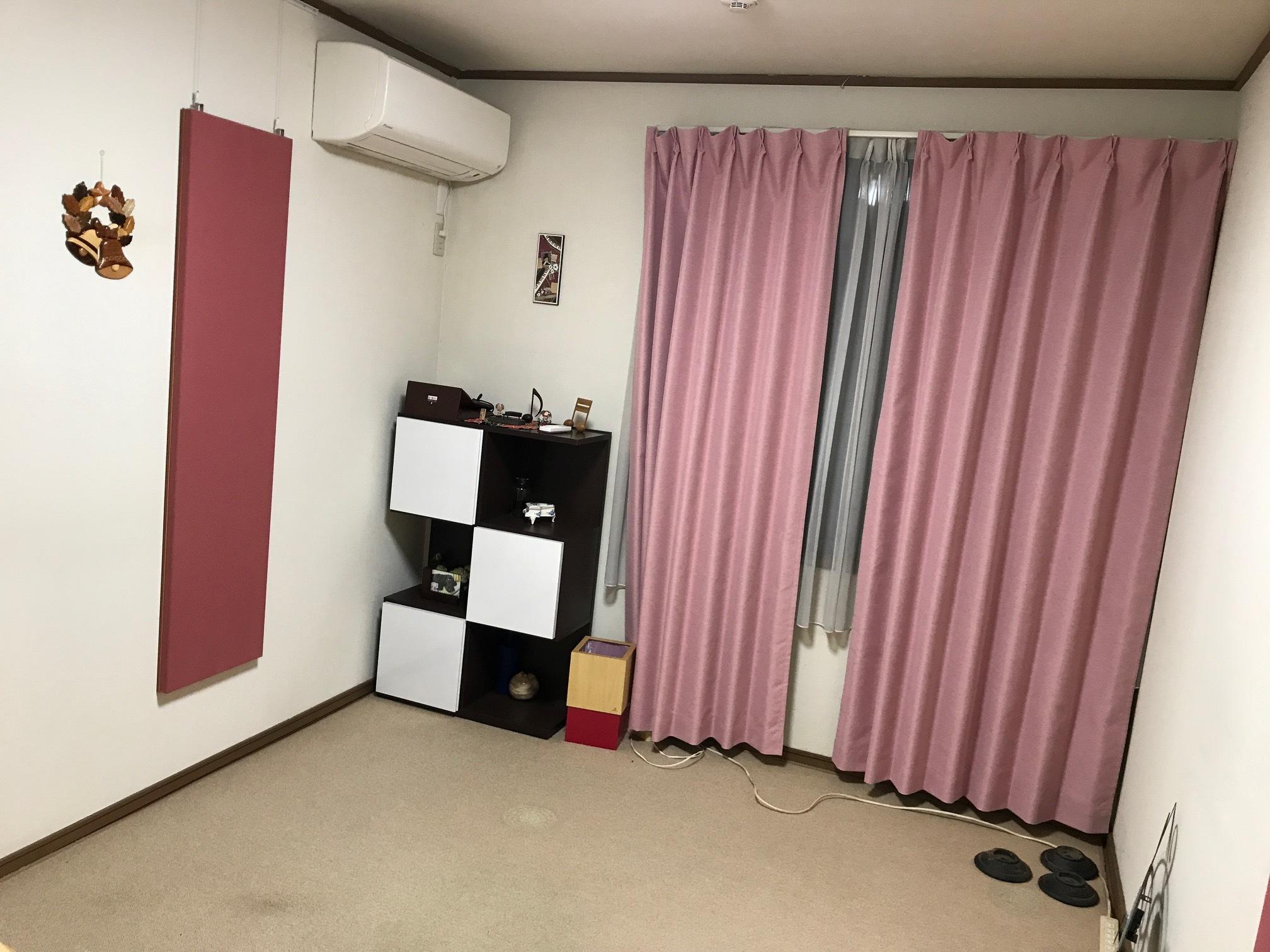 空っぽのレッスン室