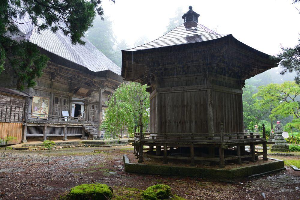 雨の国上寺-7