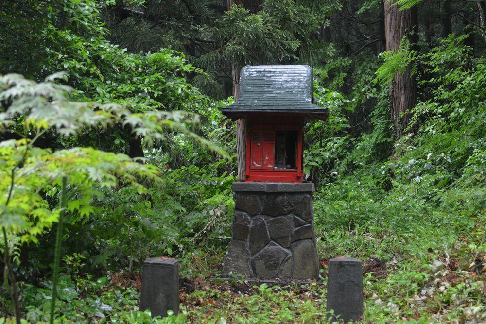 雨の寺-4