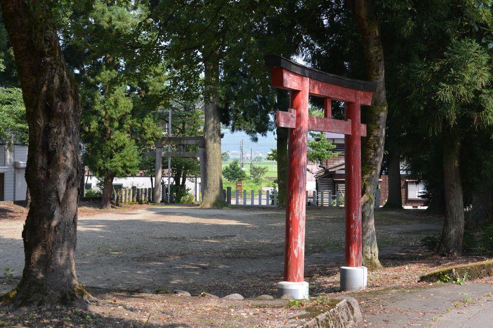洞源寺と八海神社-3