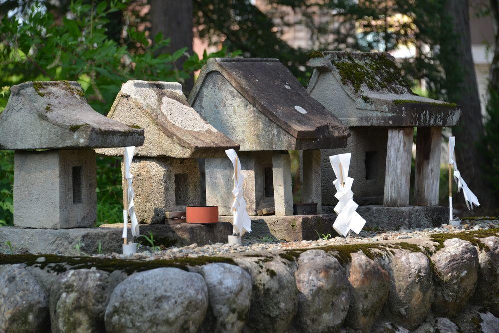 洞源寺と八海神社-5