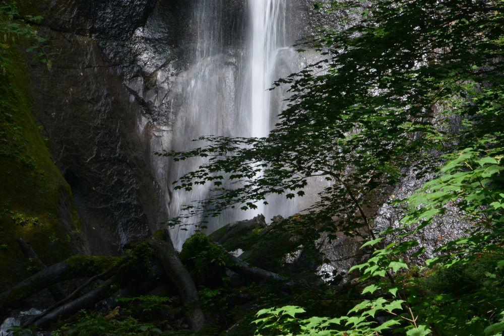 白布の滝へ-4