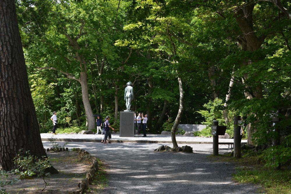 十和田湖 乙女の像-2