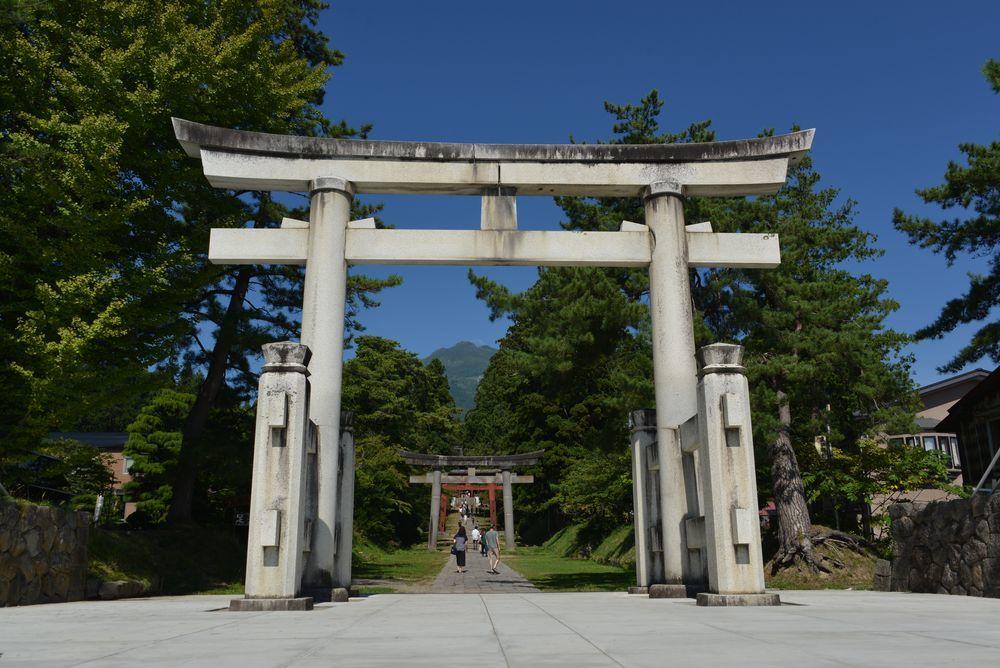 岩木山神社 参道-1