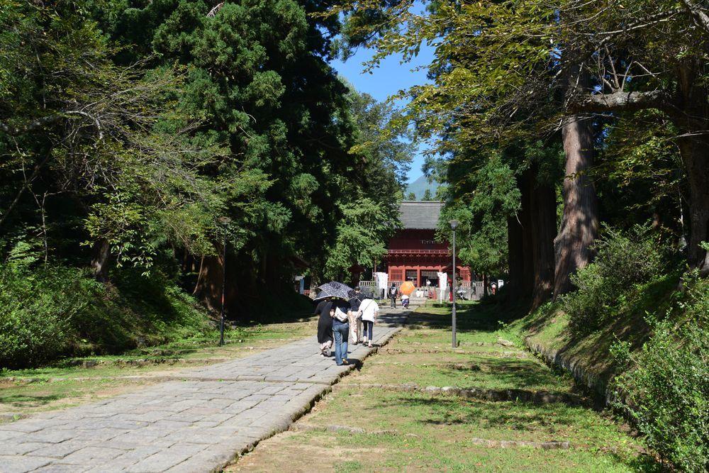 岩木山神社 参道-3
