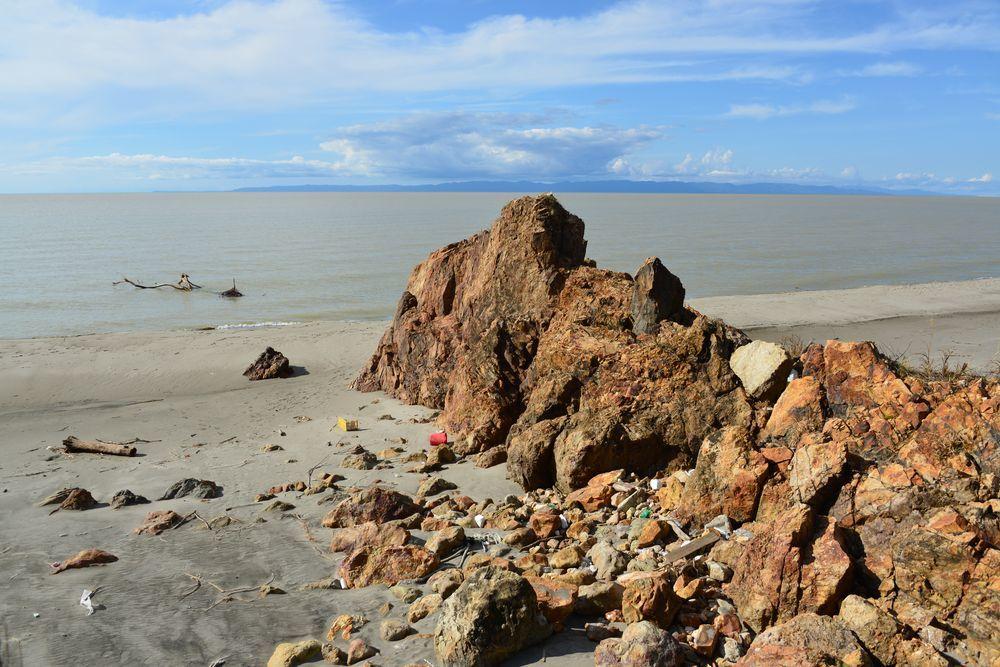 濁った海岸-2
