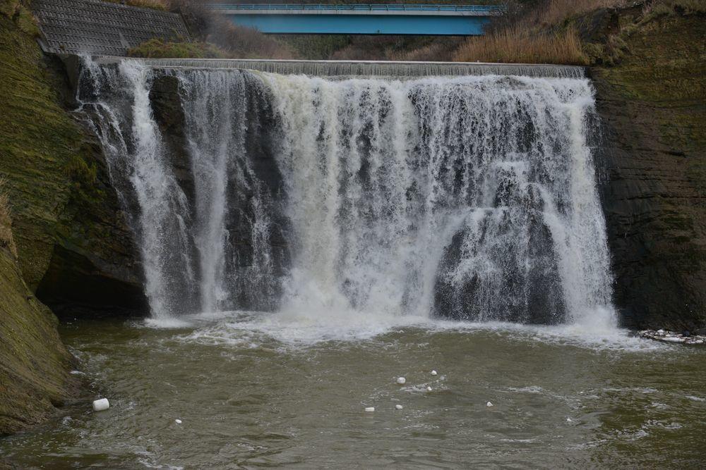 落水の滝-2