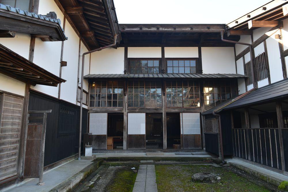 石置木羽葺屋根-5