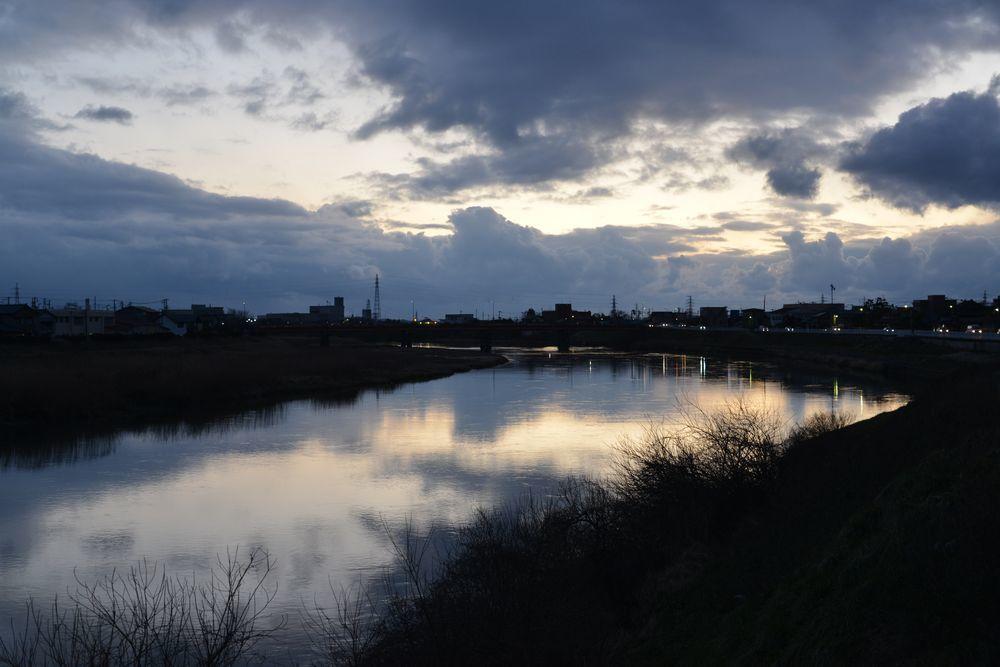 夕暮れの河-1