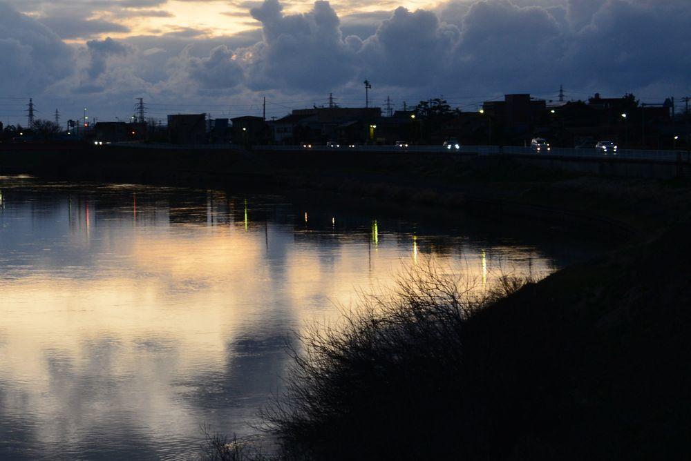 夕暮れの河-4