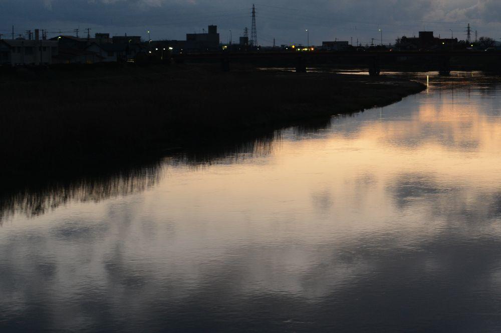 夕暮れの河-6