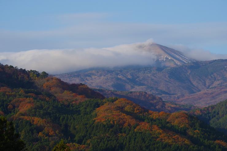 小富士に雲