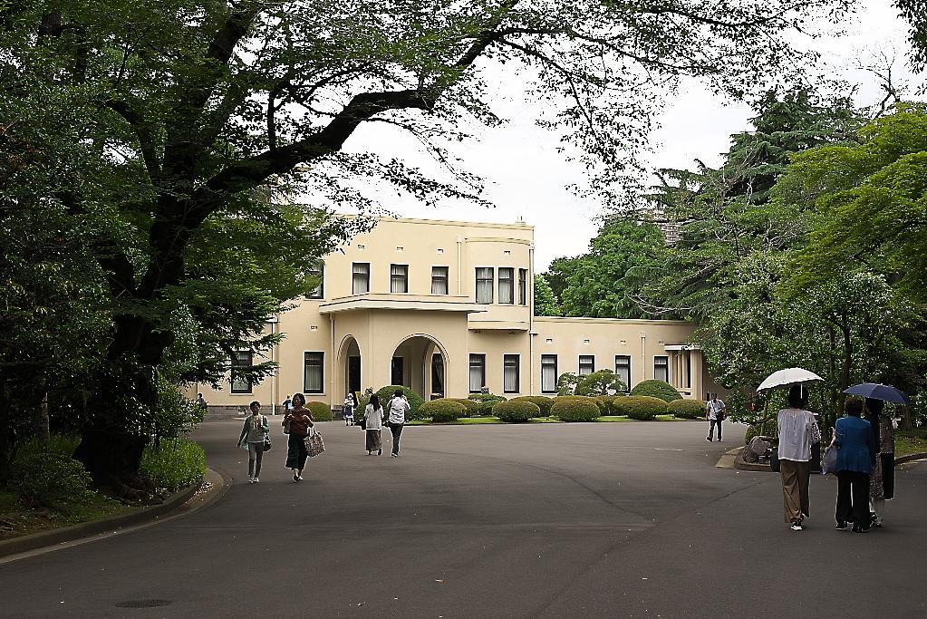 まずは旧朝香宮邸の外観を愛でる_3