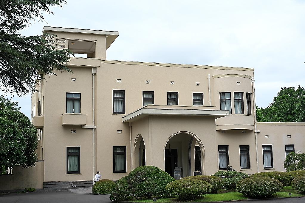 まずは旧朝香宮邸の外観を愛でる_4