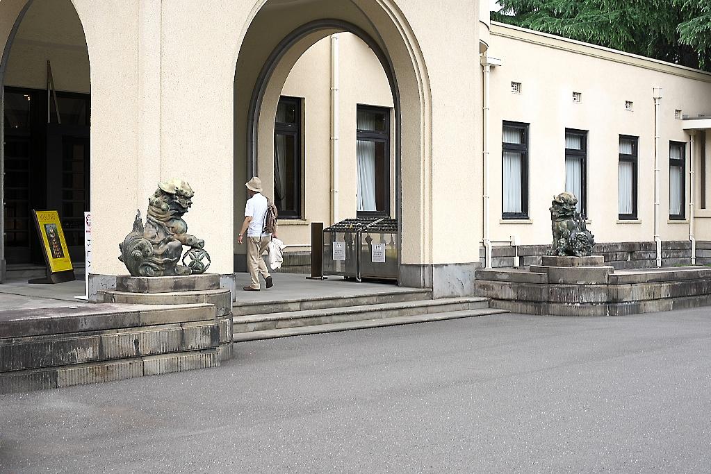 まずは旧朝香宮邸の外観を愛でる_7