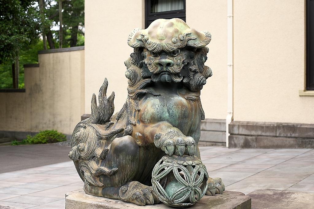 まずは旧朝香宮邸の外観を愛でる_8