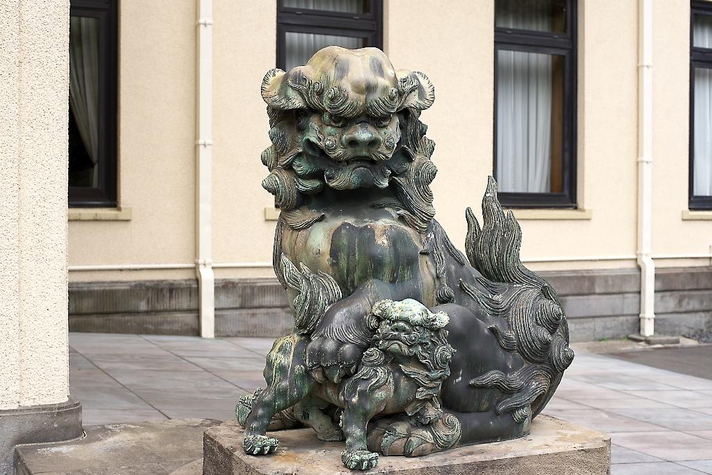 まずは旧朝香宮邸の外観を愛でる_9