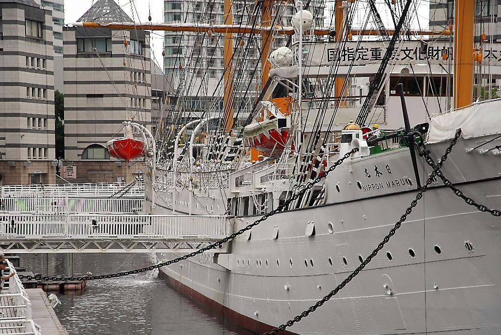 総帆展帆のボランティア要員が乗船した_1