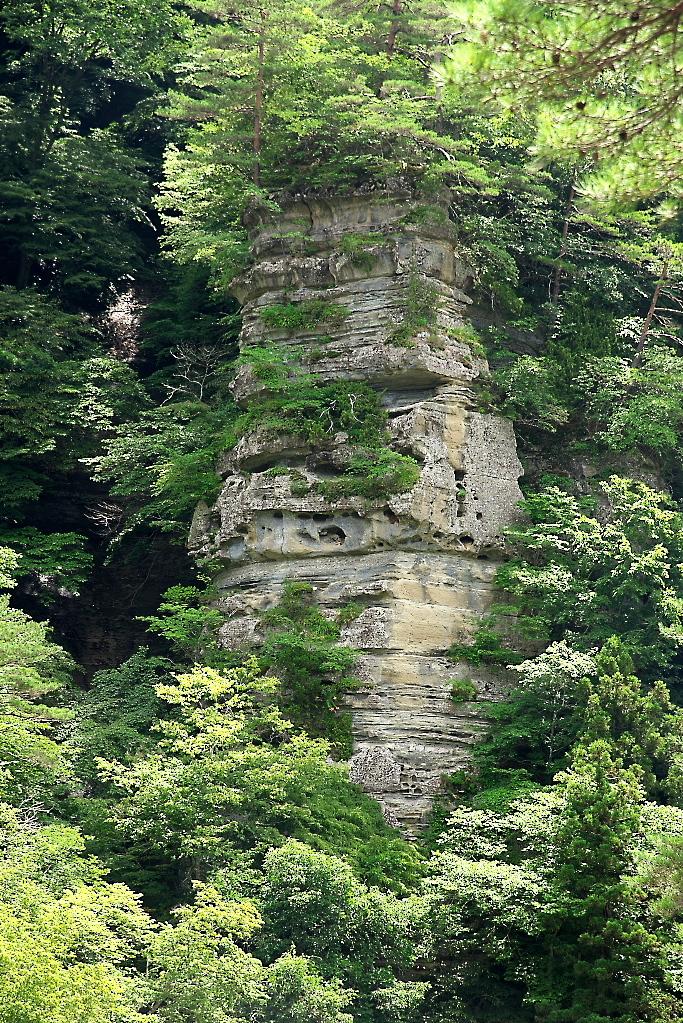 大規模な奇岩_1