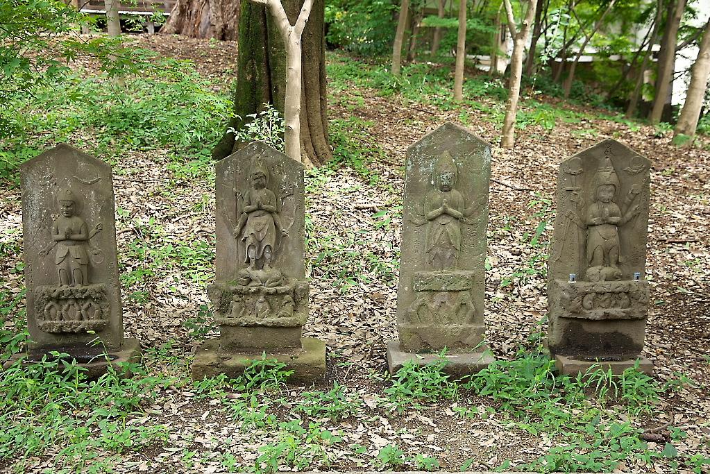楼門脇の石像_1