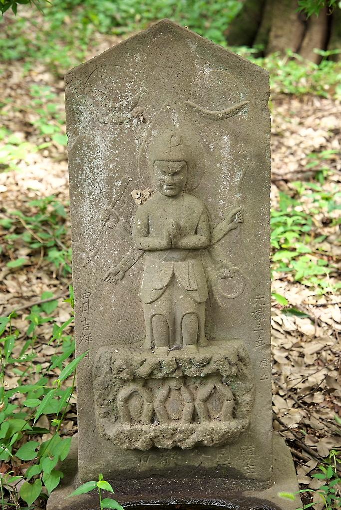 楼門脇の石像_2