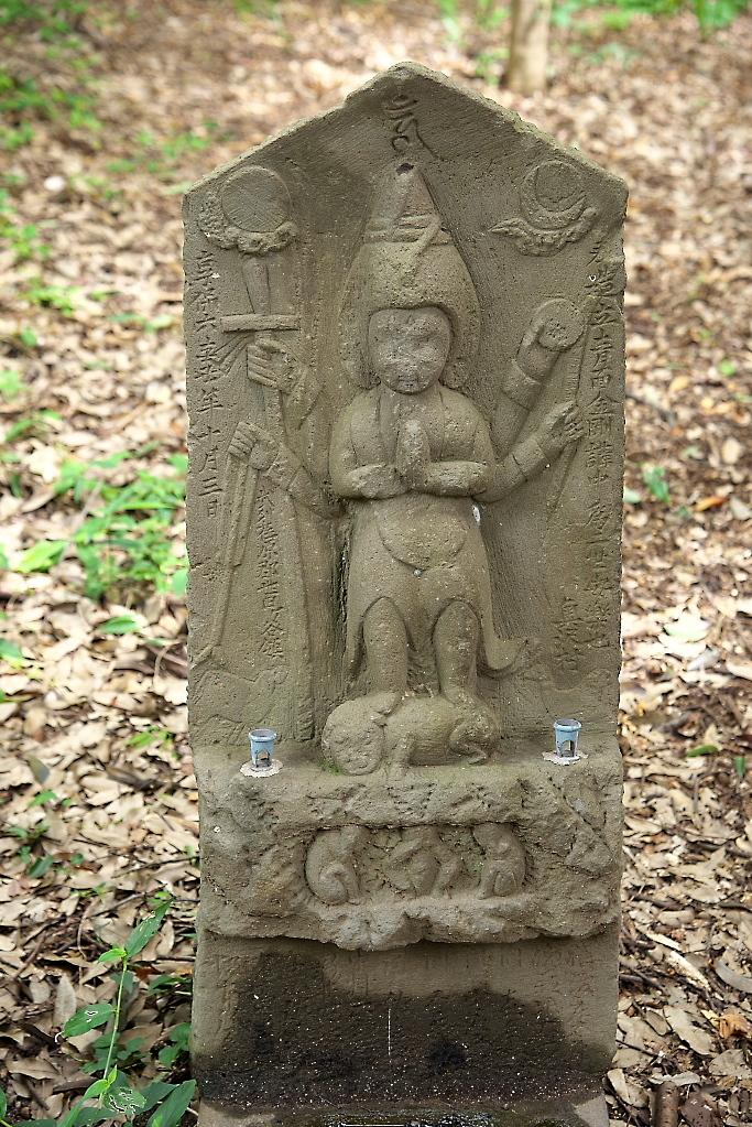 楼門脇の石像_5