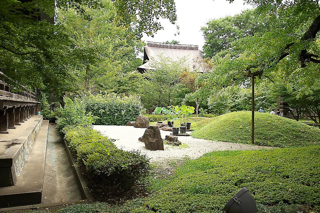 本堂と石庭_3