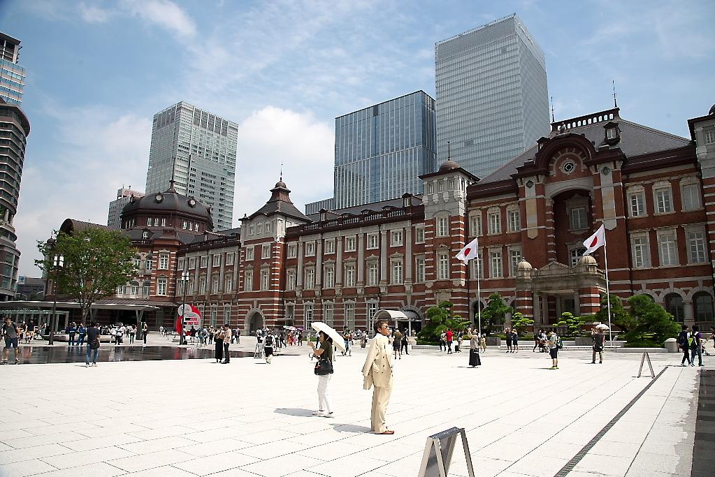 東京駅駅舎_近くから_4