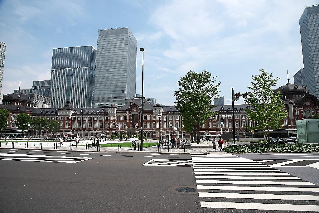 東京駅駅舎_少し離れた位置から_2
