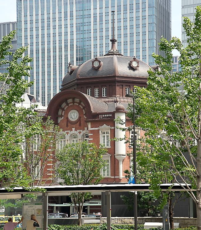 東京駅駅舎_少し離れた位置から_4