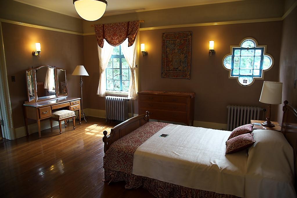 夫人寝室とサンポーチ_1