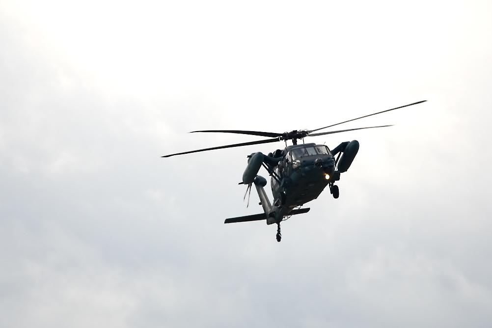 UH-60_4