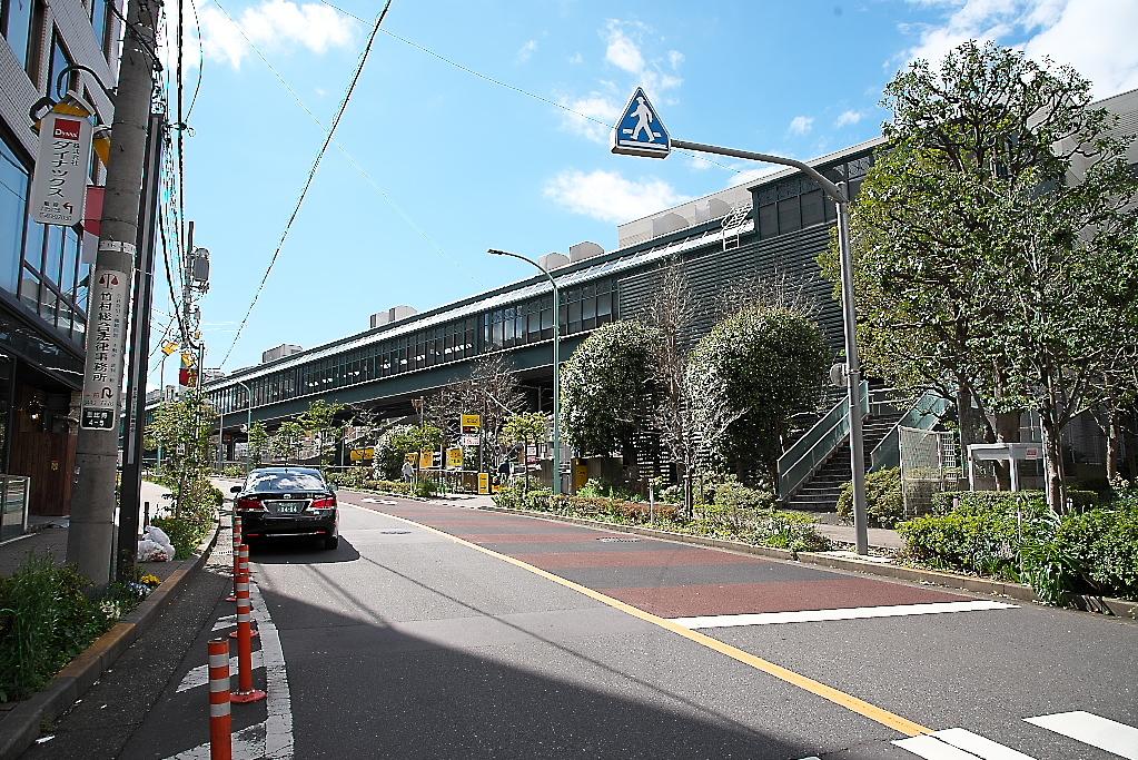 恵比寿駅東口交差点をも突っ切って、道なりに進む_2