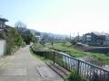 200307山科川をのんびりと下って行く