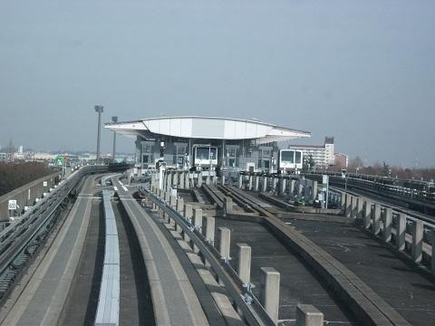 oth-train-204.jpg