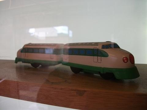oth-train-88.jpg