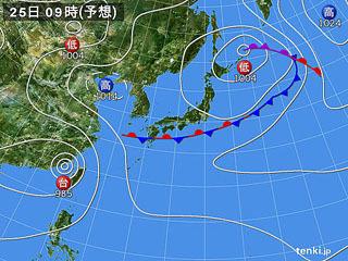 8月25日(日)9時の予想天気図