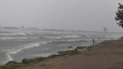 台風19号襲来!! 大荒れの琵琶湖北湖(YouTubeムービー)